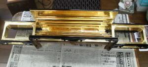 仏壇製作--金箔押し 須弥檀--