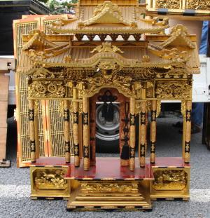 仏壇の分解